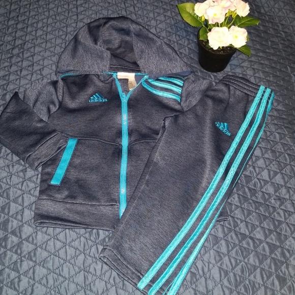 59e392fe Boys Adidas tracksuit size 2T